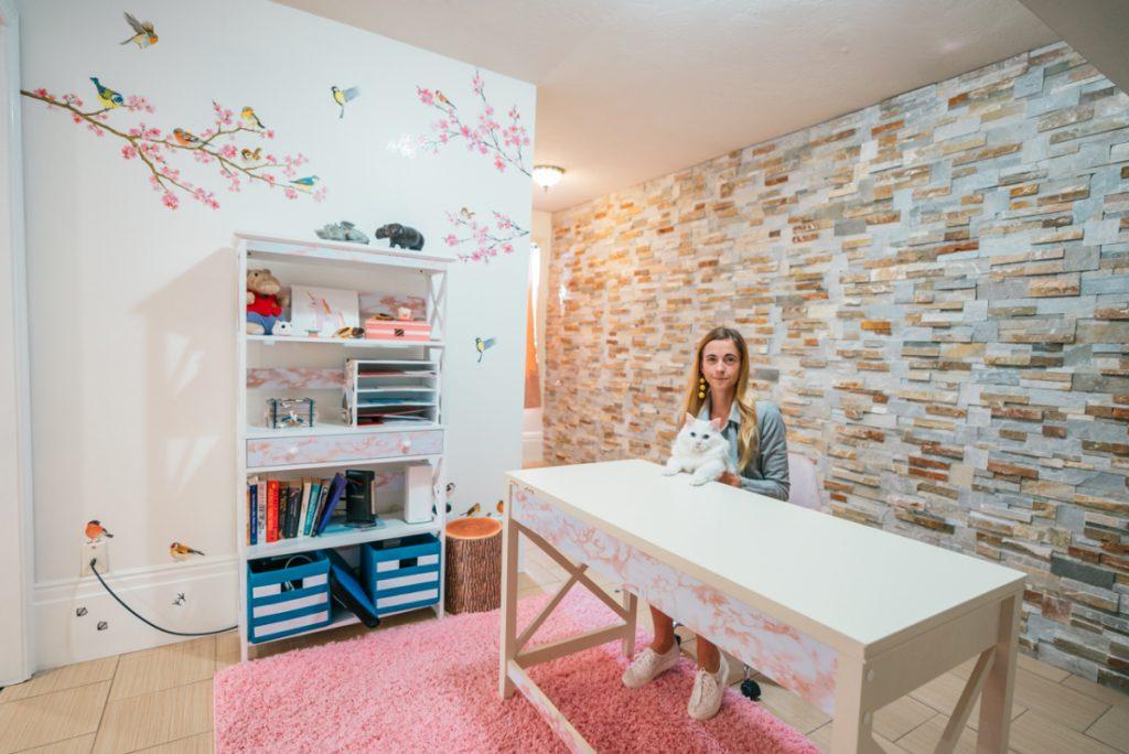 pink office decor